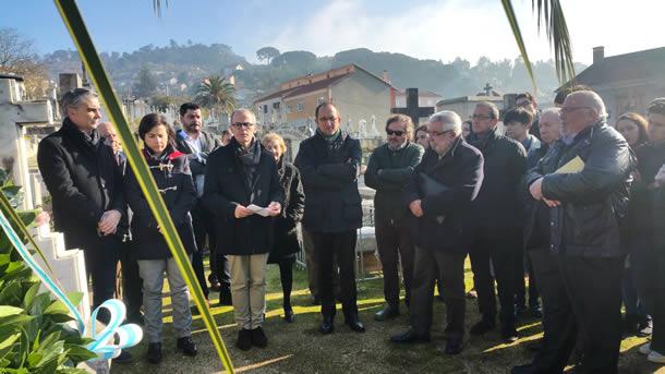 Ourense Dixital Com Tertulia Como Facíamos Antes Ante La Tumba